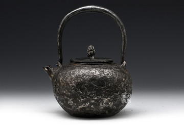 铁壶除锈保养:日式保养和中式保养有何区别