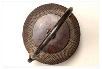 容易被忽略的日本老铁壶收藏要点:老铁壶讲究原壶配原盖