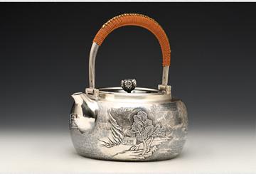 以段六一银壶为例看银壶该如何开壶保养:新手必看养壶技巧