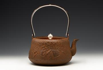 国内普洱茶热带动日本老铁壶发展:期待中国铁壶的重新崛起