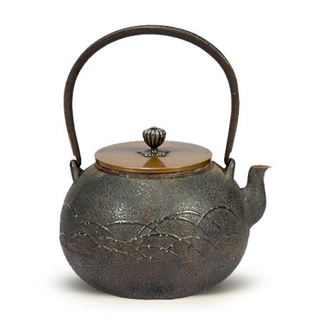 金寿堂雨宫造 嵌银点铁包银老铁壶