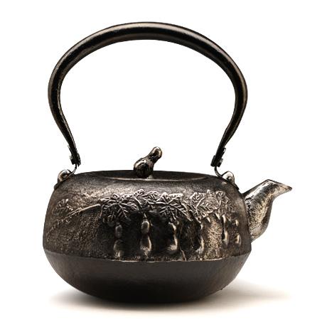 秀山堂 平丸形葫芦纹砂铁壶