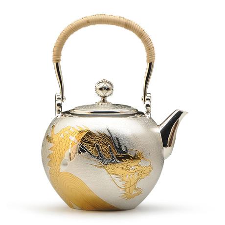 玉形龙纹银壶