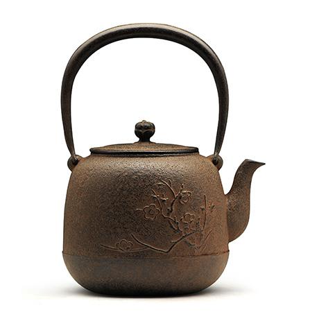 枣形梅花砂铁壶