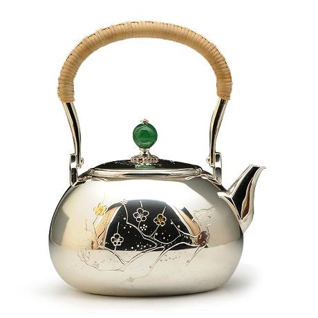 桃形梅花纹银壶
