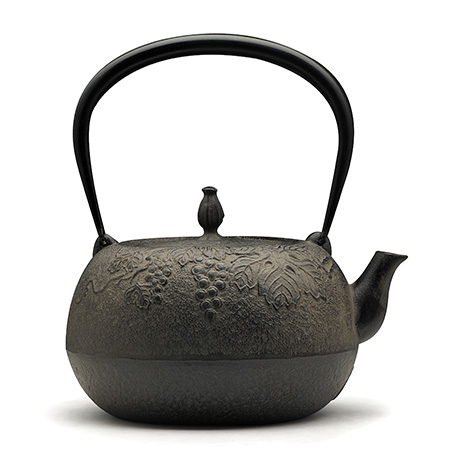 宝生堂 葡萄纹生型铁壶
