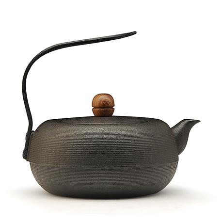 薰山工房 木摘钮铁壶