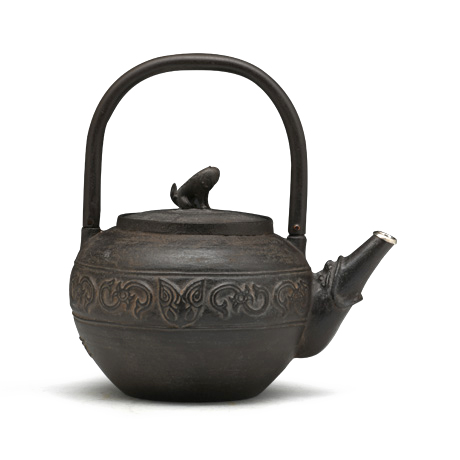 藏六复刻 饕餮纹炮口小铁壶(银口)