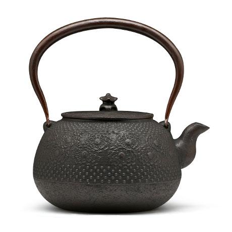 佐藤胜芳作 丸形樱铁壶