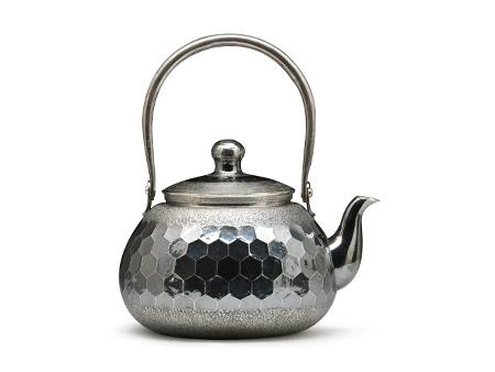 龟甲熏银银壶