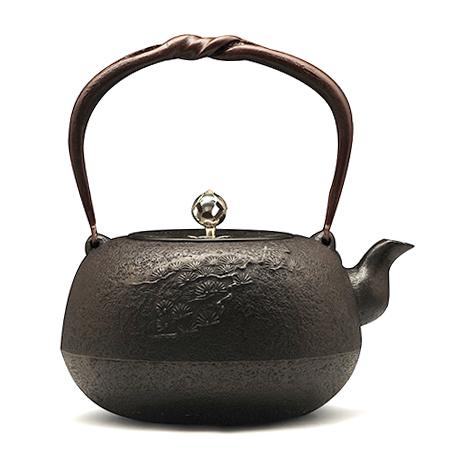 丸南部松砂铸铁壶(银摘)