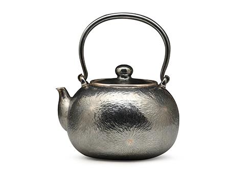 张家松 薰银三点式刃木纹银壶