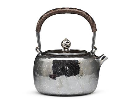 小笠银器 薰银锤目纹银壶