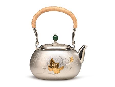 银祥堂 平丸形梨地牡丹雕金银壶